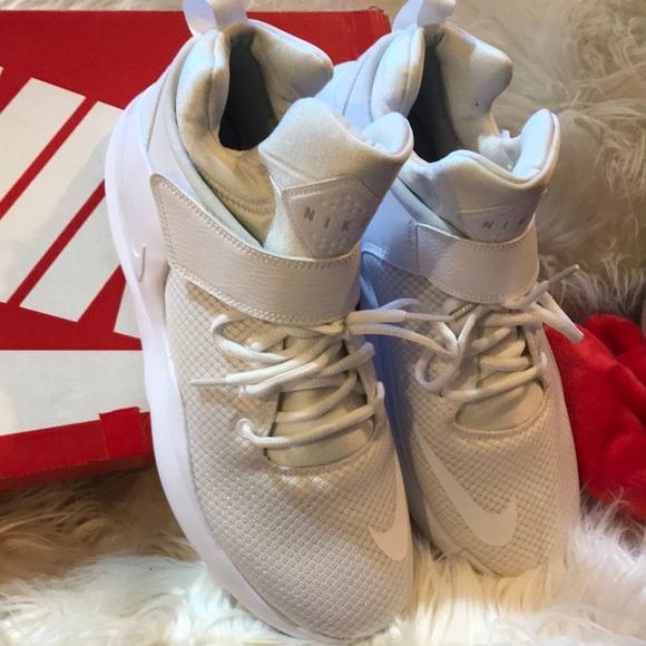 0f572255db5b Nike kwazi size ten men s 🏀 shoes BNWT